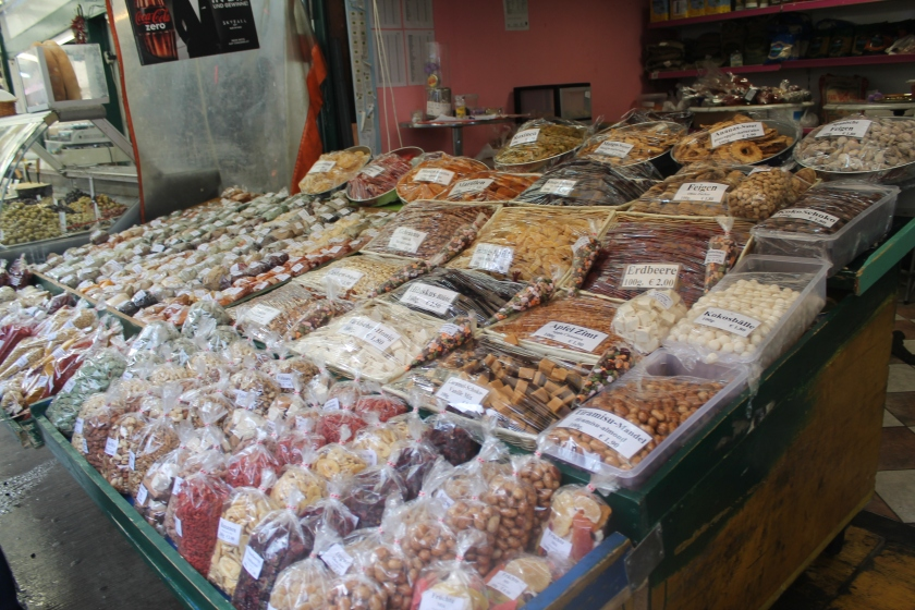 Nuts and pulses at Naschmarkt